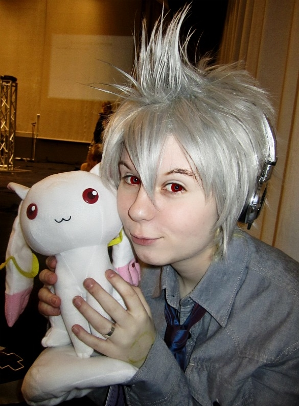 Vocaloid Dell Honne (with Kyubey-plush) Cosplay
