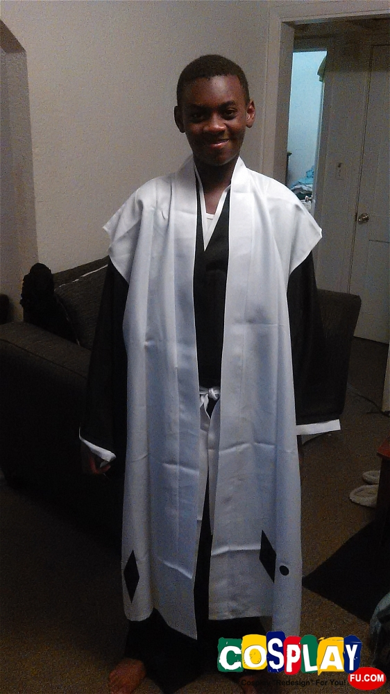 Toshiro Hitsugaya Cosplay from Bleach by Camron
