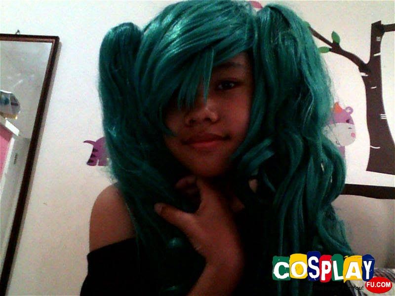 Miku Hatsune Cosplay from Vocaloid by Jasmina