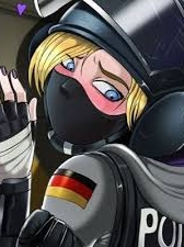 IQ Weiss Monika
