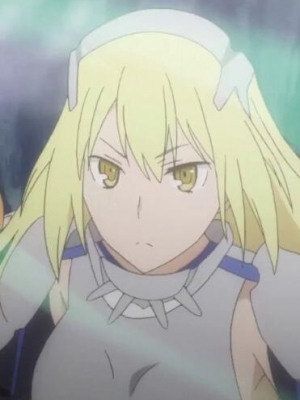 Aiz Wallenstein wig from Sword Oratoria: Is it Wrong to Try to Pick Up Girls in a Dungeon On the Side